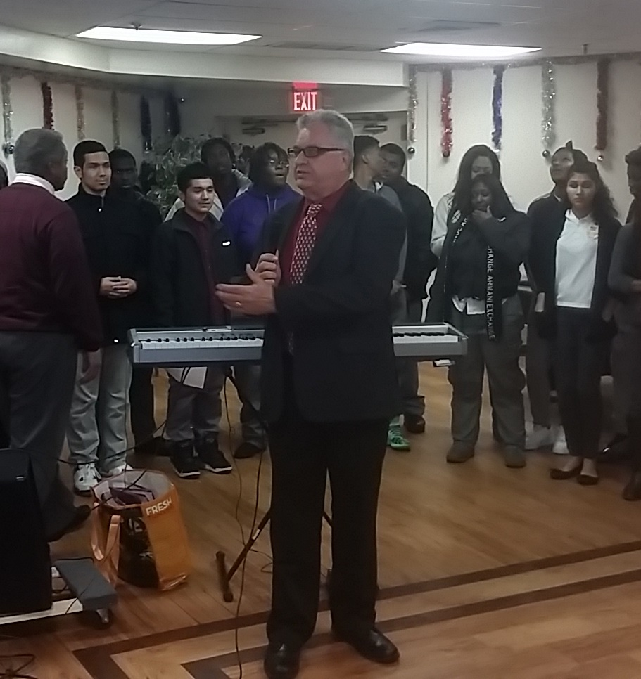Caroling - Mayor Baraka welcome from Rich Rohrman