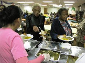 Thanksgiving Commons Senior two women in line