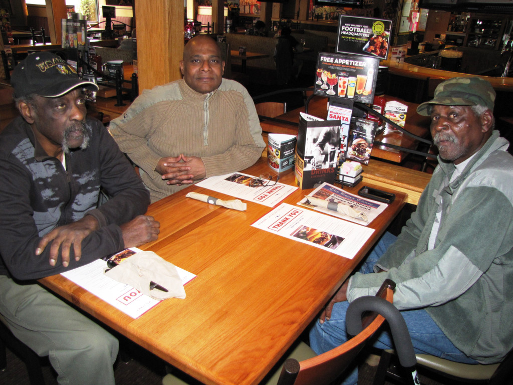 Veterans Day Applebees Seldon Childs, Darrel Armstrong and Ray Hopkins