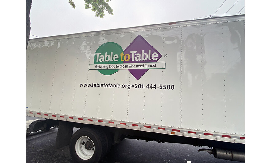 Mayor's Food Distribution 5-5-2021 Table to Table Truck for Web